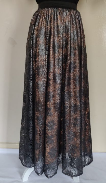Graphite lace skirt