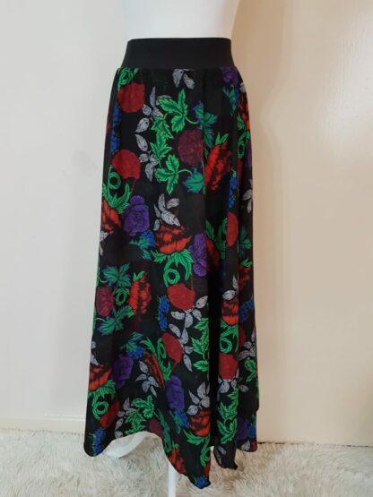 Garden floral black skirt